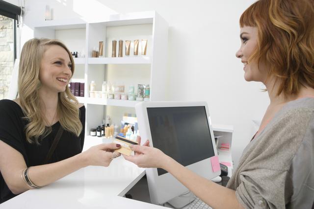 Что должен знать администратор салона красоты - описание профессии, обязанности, необходимые навыки