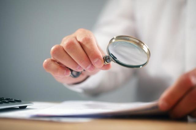 Как внести изменения в приказ - основания, последовательность действий, обязательство ознакомления