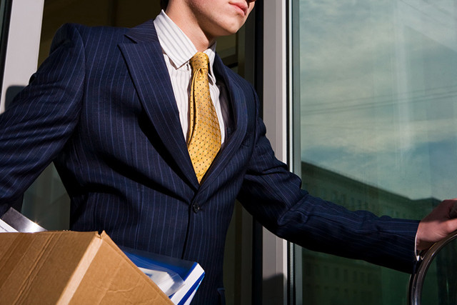Как писать заявление на увольнение без отработки и предоставить его руководству