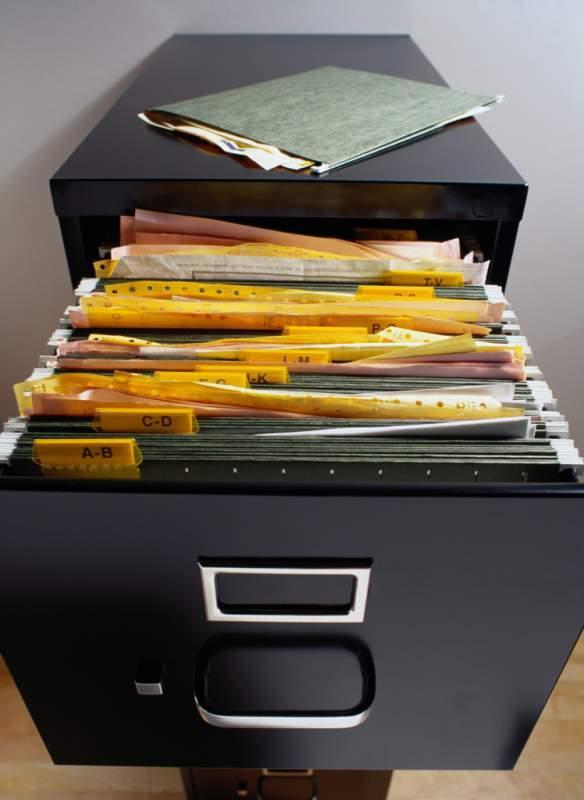 Может ли ИП нанимать работников - обязанности руководства, прием сотрудников, подготовка документации