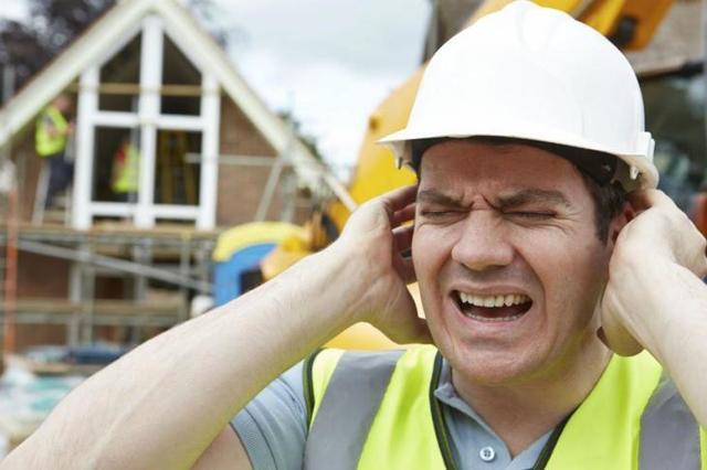 Какие выплаты положены при производственной травме для сотрудников, и как действовать сторонам при ситуации